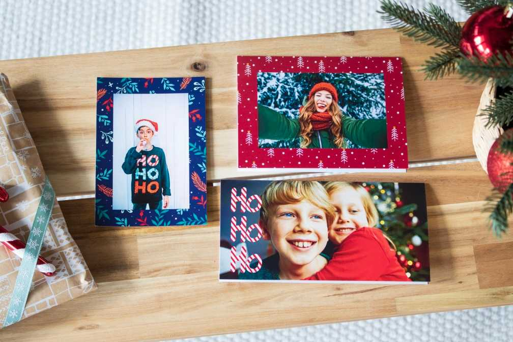 pers nliche fotogru karten zu weihnachten gestalten ifolor. Black Bedroom Furniture Sets. Home Design Ideas