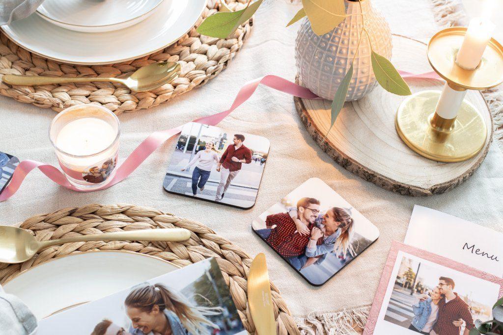 der perfekte candlelight dinner tisch mit fotogrusskarten. Black Bedroom Furniture Sets. Home Design Ideas